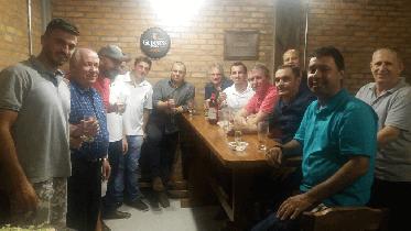Reunião extraordinária e janta com associados